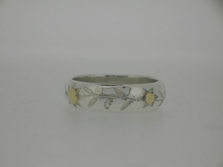 D section flower pattern ring