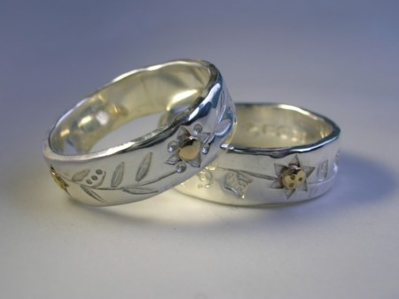 Leaf pattern rings