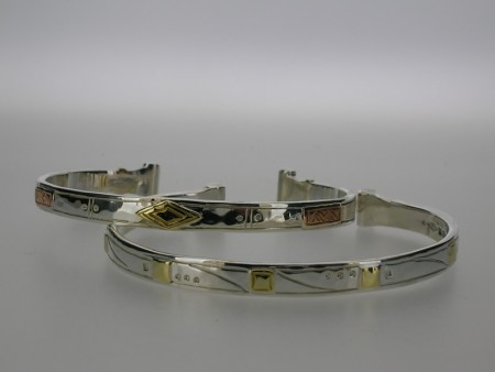 Patterned open bangles