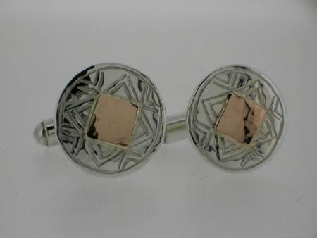 Round geometric cufflink
