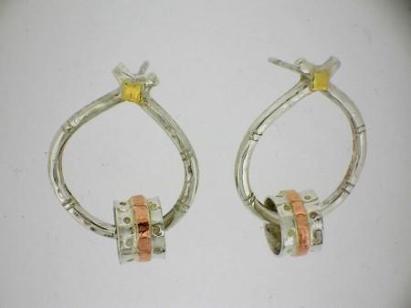 Banded hooped earrings