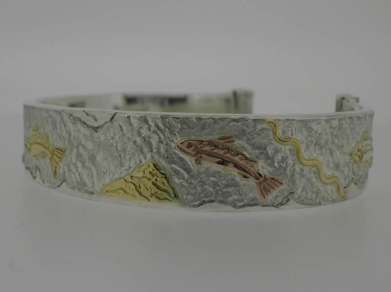 Jumping salmon bangle