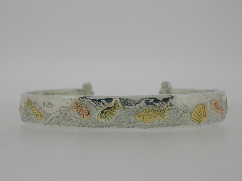 Sea fish open bangle